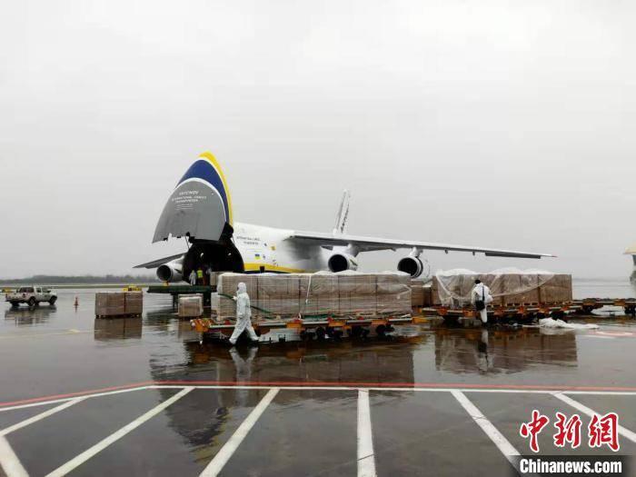 武汉天河机场跨境电商进出口货物量同比增长285%