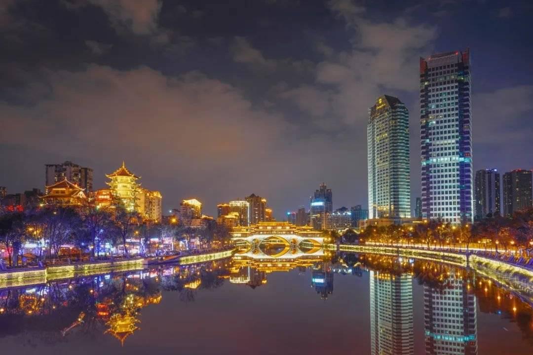 2020年,重庆发生的哪些变化让你印象深刻?