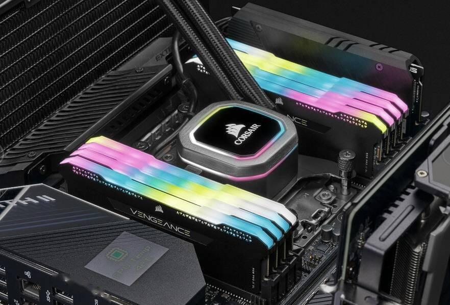 海盗船发布新款 RGB 内存条套装:4 x 32GB DDR4