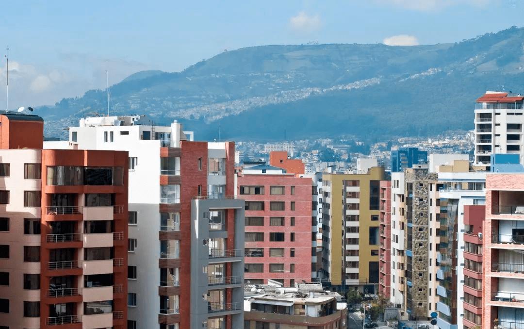 """楼市回归居住属性,2021年或迎来""""降价潮"""",现在该不该买房?"""