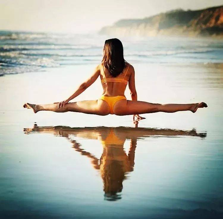 瑜伽老师教你,如何在瑜伽练习中 平衡柔韧性和力量?