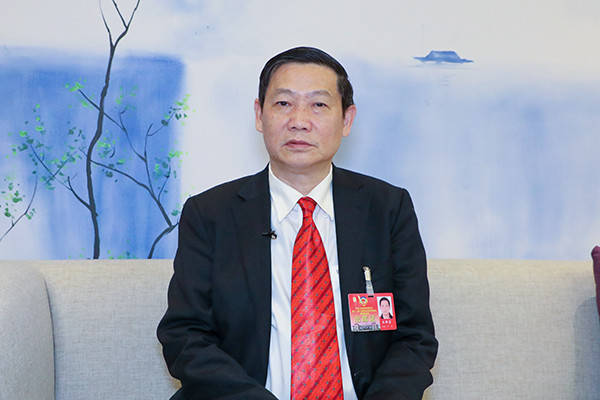 【委员谈两会】王明富委员:企业要注重科技投入和科技创新