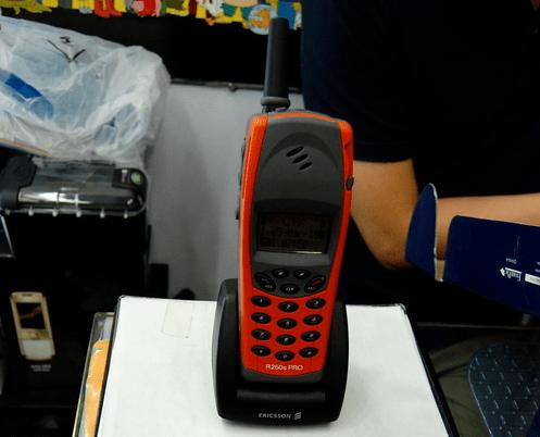 原创             那些年所有男生都想要的三防手机,是怎么赶上时代潮流的?