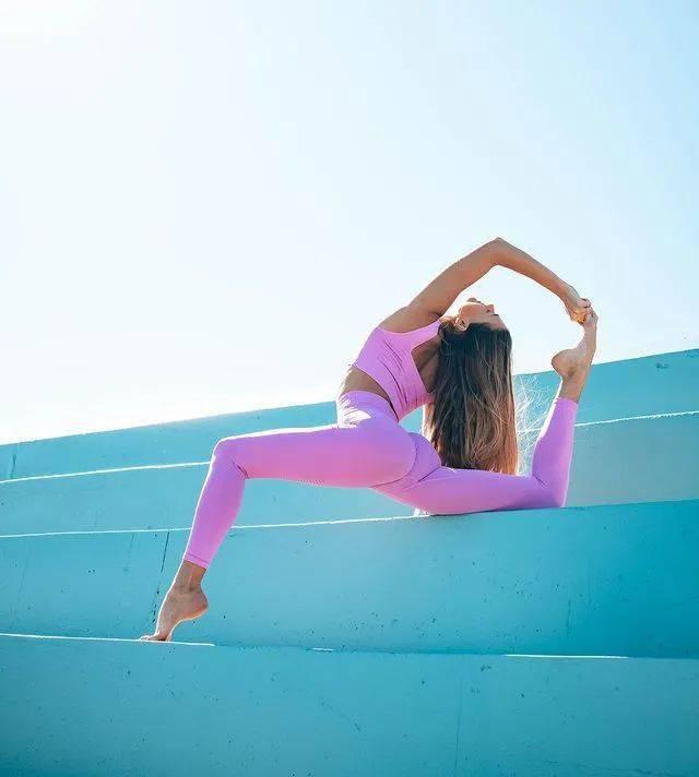 16个瑜伽动作,深度打开胸腔,灵活胸椎