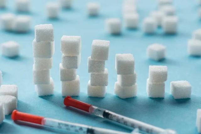 """《英国医学杂志》新研究找到了真凶:有种高血脂是""""糖""""转化来的"""