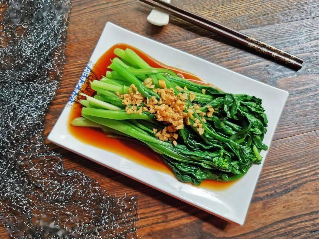 为了我们的健康,这些炒菜放油的误区你一定要避免!