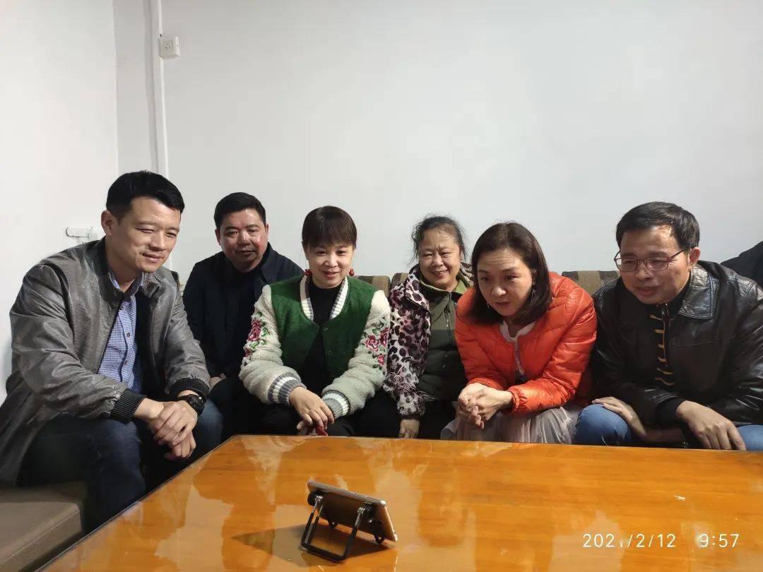 柳州冰雪公主杨易溪再次留京过年,家人却倍感自豪!