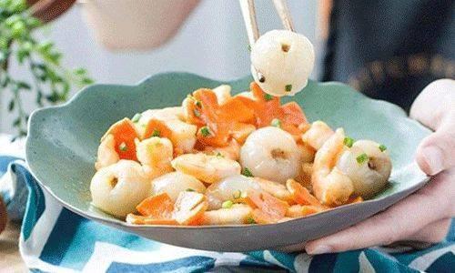 清新的果香搭配鲜甜的虾仁,好吃!