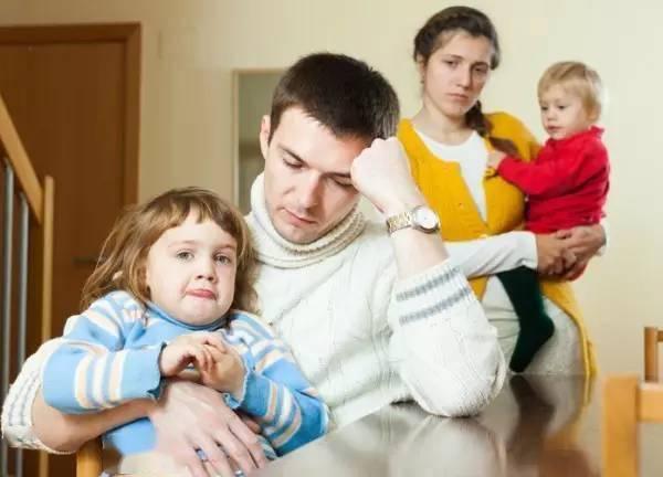 儿女不孝的家庭里,往往有这样的父母,后一个很常见  第5张