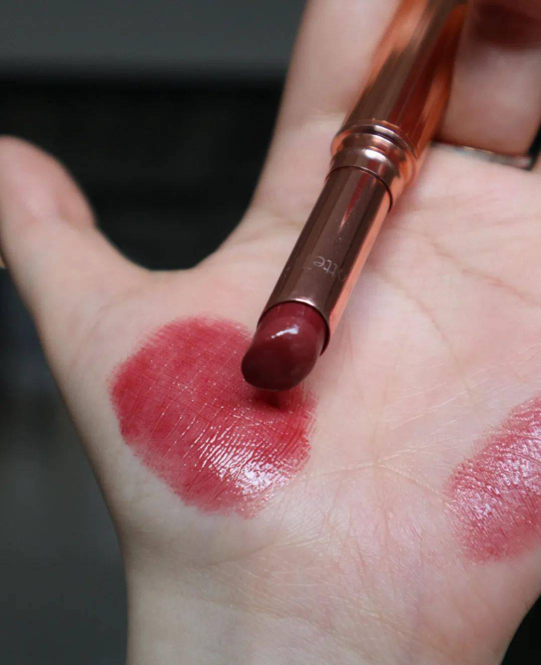 我的化妆台C位 | 今年细管当道?口红终于可以用完了!