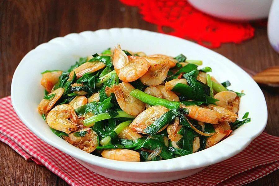 韭菜炒小河虾:鲜香味美,下饭又补钙