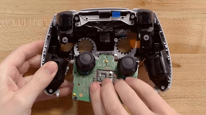 PS5手柄拆解,手柄易漂移原因揭露丨CDPR正致力于解决代码泄露事件  第1张