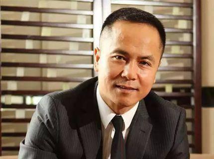 运气最好的富豪,和马云在飞机上相识,20 万的公司卖出了 100 亿!