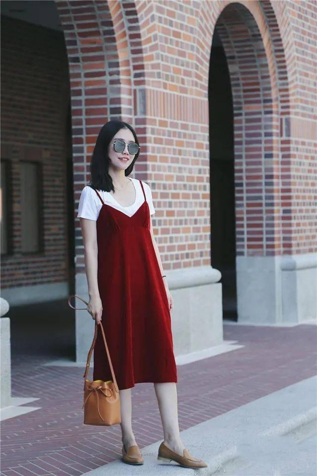 """女人不穿一次""""毛呢裙"""",都不知道什么是优雅,这么穿美翻了"""