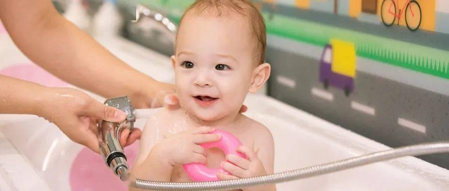 宝宝被100℃水烫伤!妈妈不顾全家反对这样做...医生都点赞!