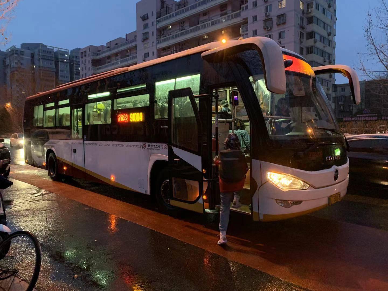 自驾1小时,定制公交直达才25分钟,通学线路今起恢复运行