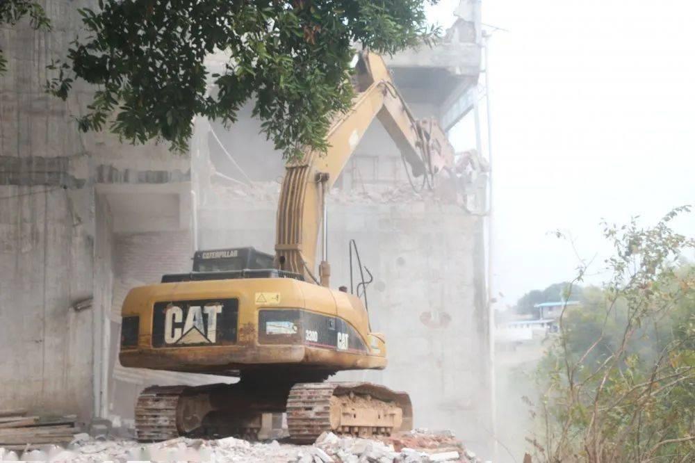 平南县人口_平南这些违章建筑被依法拆除!出动人员300余人次,拆除违章建筑约