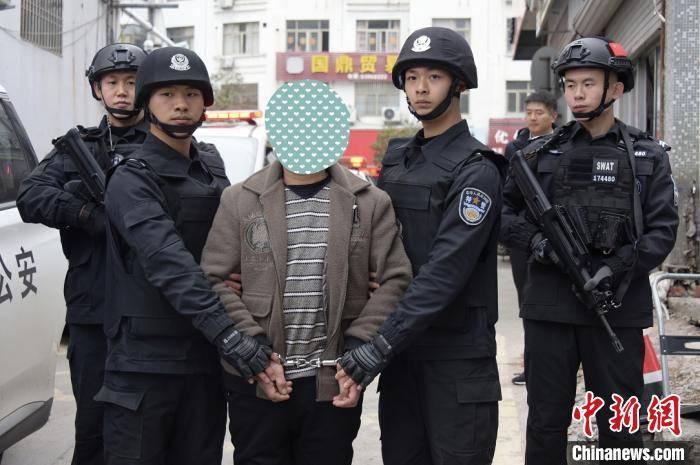 浙江警方赴内蒙古千里追捕 抓获一潜逃28年命案逃犯