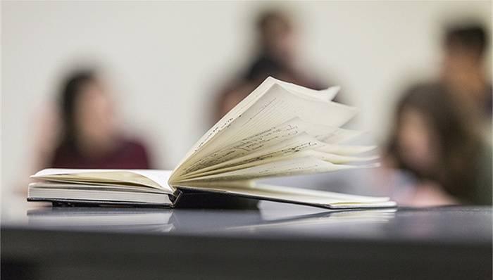 """""""十四五""""期间高等教育毛入学率提至60%,代表建议严控规模提升质量"""
