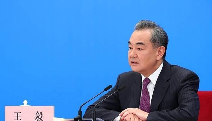 """王毅:敦促美方彻底改变上届政府在台湾问题上""""越线""""""""玩火""""的危险做法"""