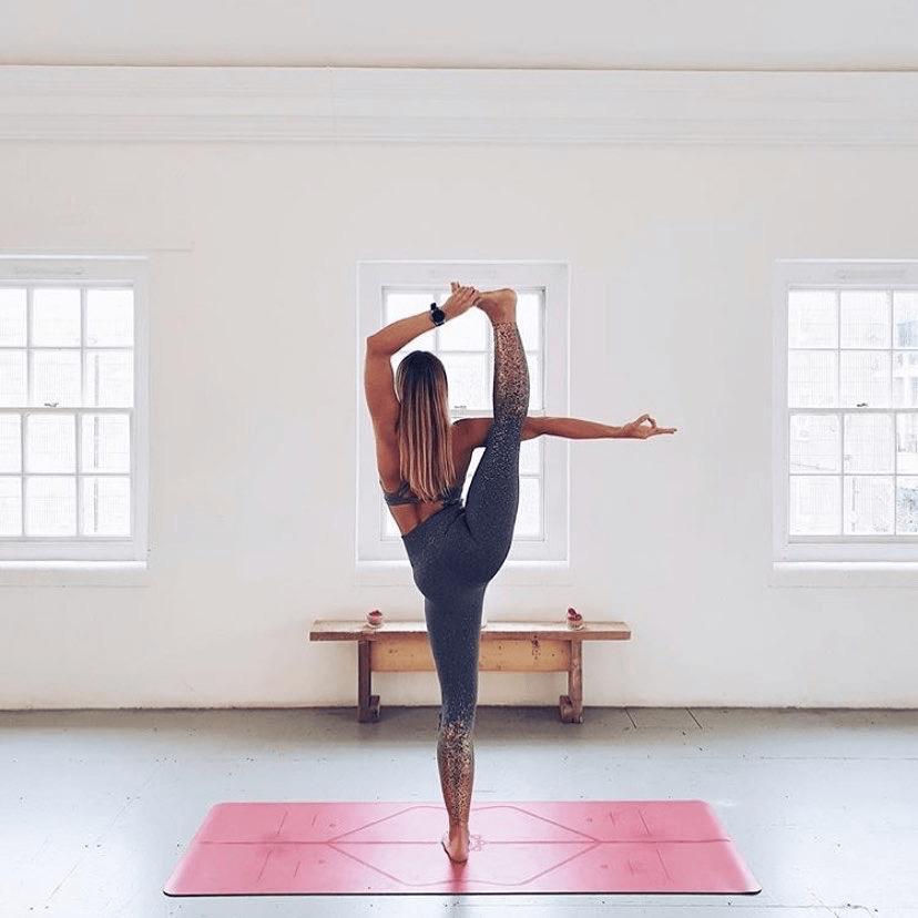 一个越练,越显腿长的瑜伽体式,美腿控必练!