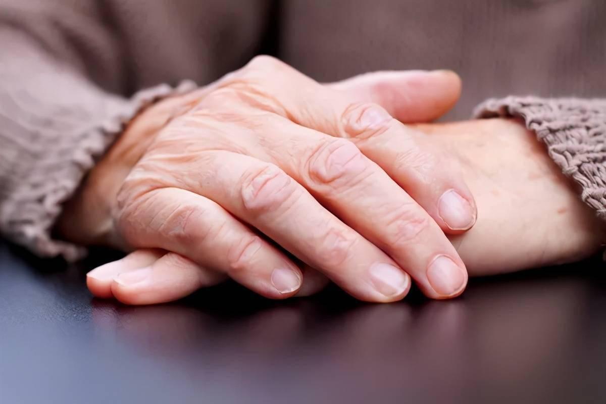 帕金森手抖吃什么药好 手抖吃什么药马上控制