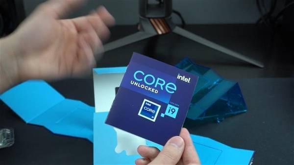 Intel 11代旗舰i9-11900K提前到手!波浪形包装盒吸睛的照片 - 16