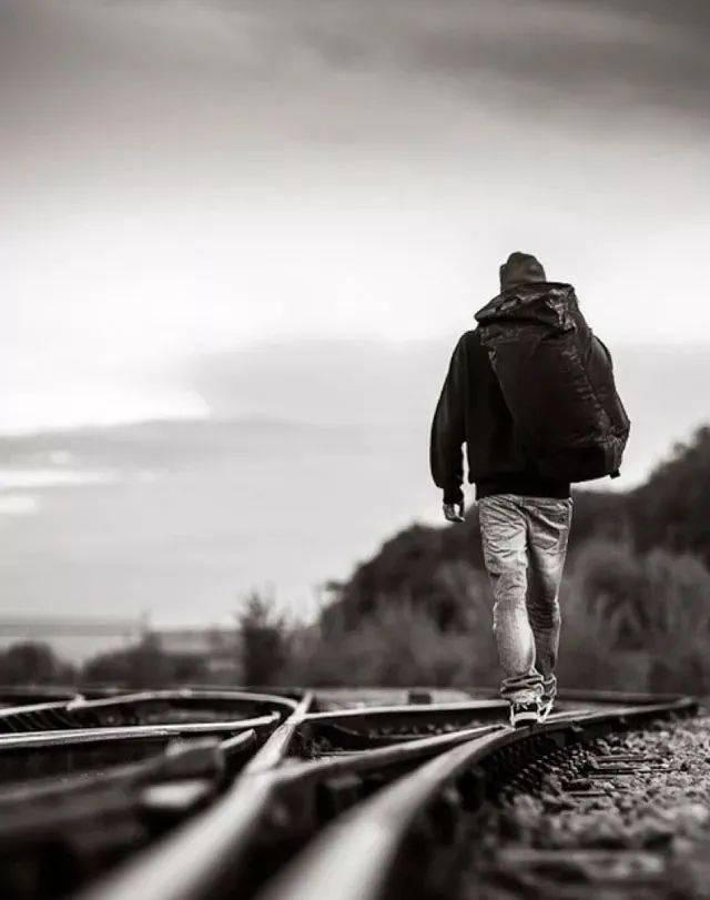 梁实秋:旅行是一种逃避——逃避人间的丑恶