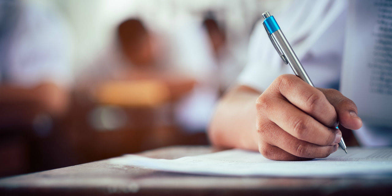 教培机构惊魂30天:流言、暴跌、焦虑......教育评价机制如何阻止报班热潮