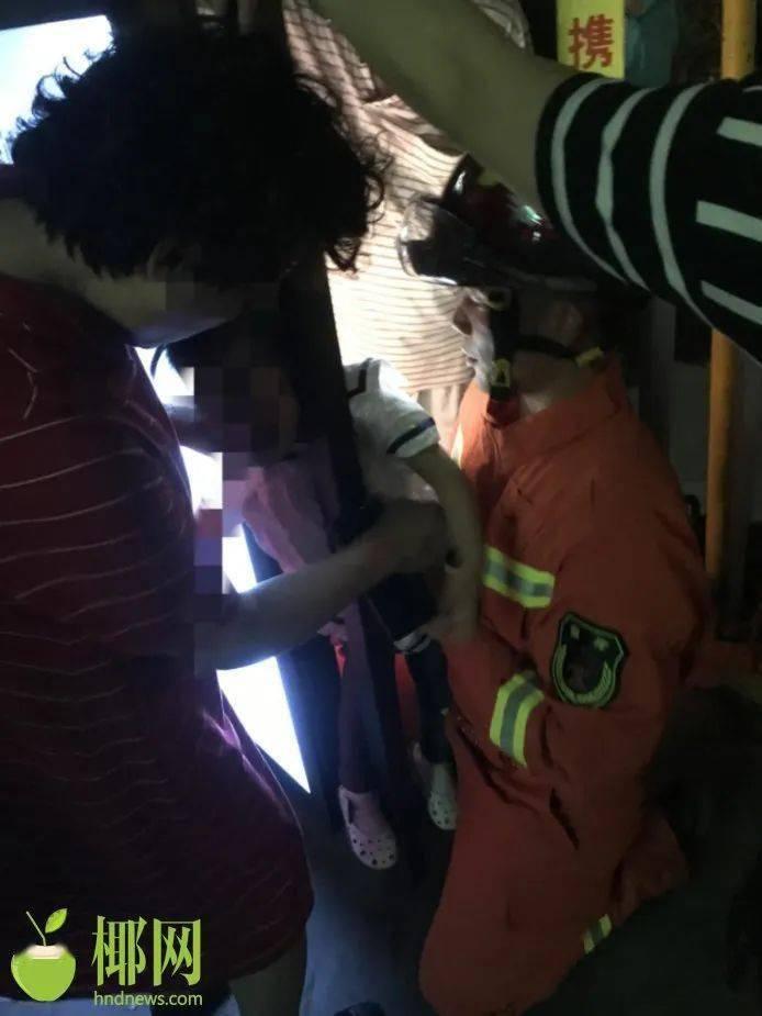 54死156伤,遇难者最小仅6岁!列车出轨最新画面传来丨海上夜闻·视听汇