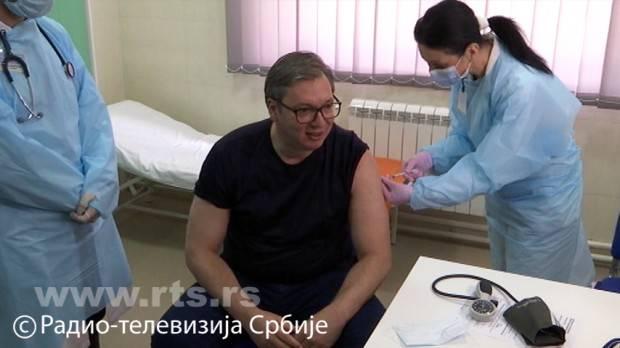 塞尔维亚总统武契奇接种中国新冠疫苗:感觉很棒