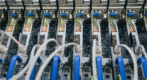 微软向矿工学习CPU液冷散热技术:50度就能沸腾