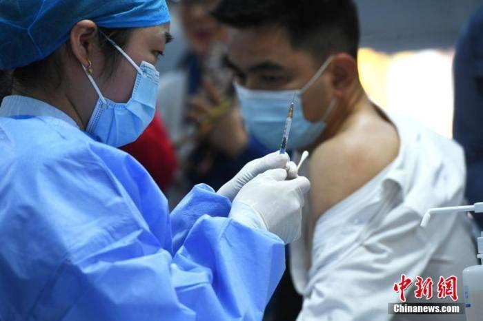 专家详解疫苗接种禁忌与须知:鼻炎咽炎等人群绝大多数可接种