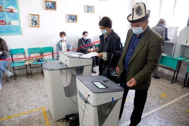 吉尔吉斯斯坦公投宪法修正案:近八成支持,总统权力将扩大