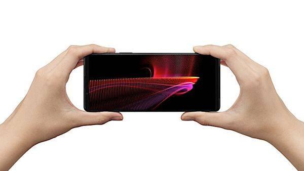 索尼发布Xperia 1 III 5G新机:可变长焦镜头成一大卖点的照片 - 2