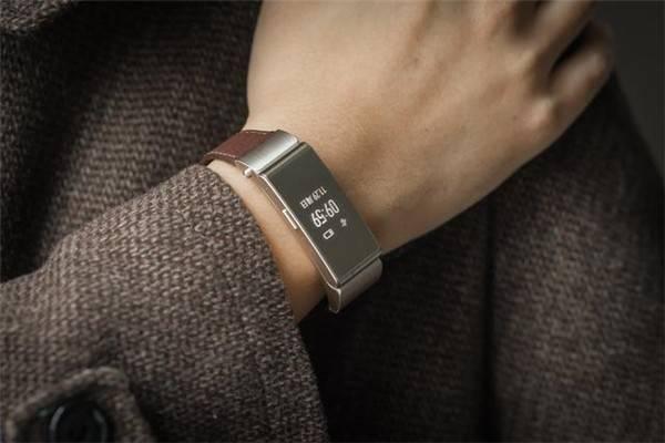 """一部""""手环演化史""""告诉我们为什么需要一款全面屏手环"""