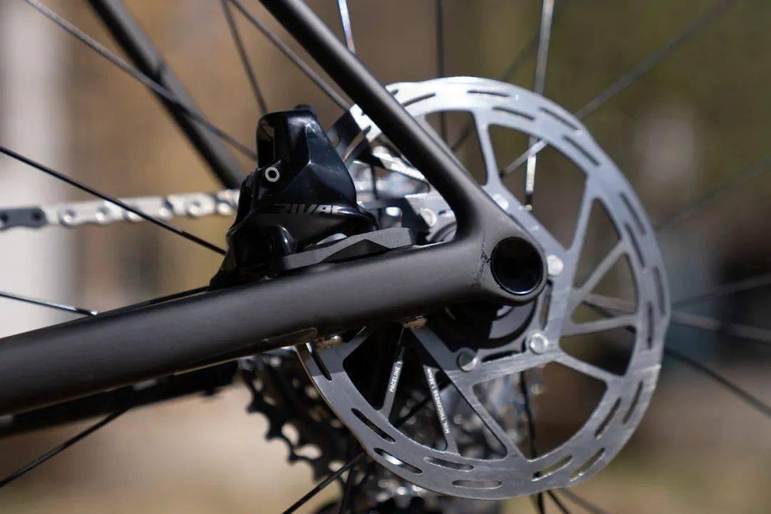 SRAM Rival AXS无线电变套件重量对比and技术解析-领骑网
