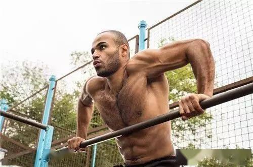 了解上肢力量动作双杠臂屈伸,你是否知道如何高效标准完成?_训练