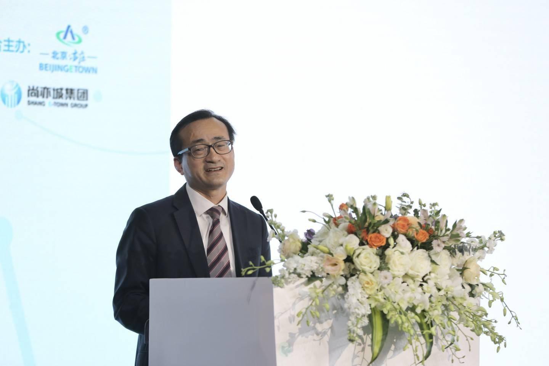 刘元春:构建新发展格局,关键在于科技自立自强