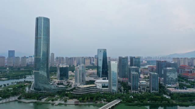 14个准特大城市房价:13城平均单价过万 厦门甚至超了广州