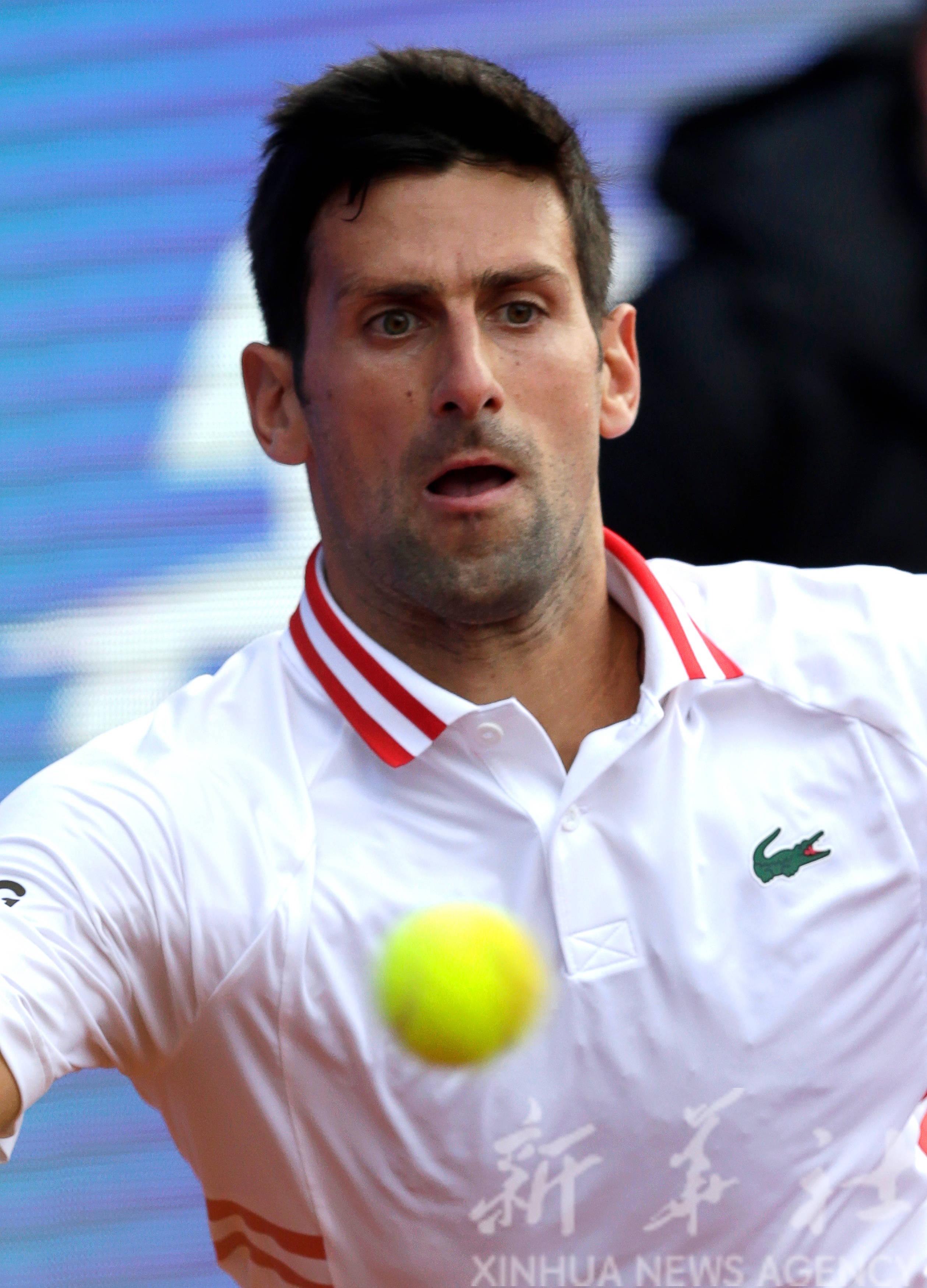 网球——塞尔维亚公开赛:焦科维奇晋级