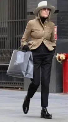 衣品||75岁还是最酷的女神 如何穿成戴安·基顿? 爸爸 第33张