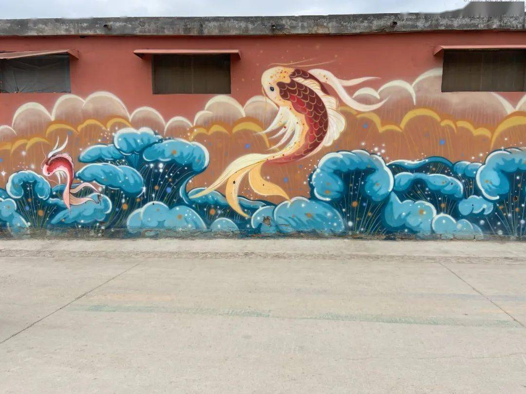 90后小伙回农村在墙上涂鸦,人民日报点赞!网友:现实版《回村的诱惑》……