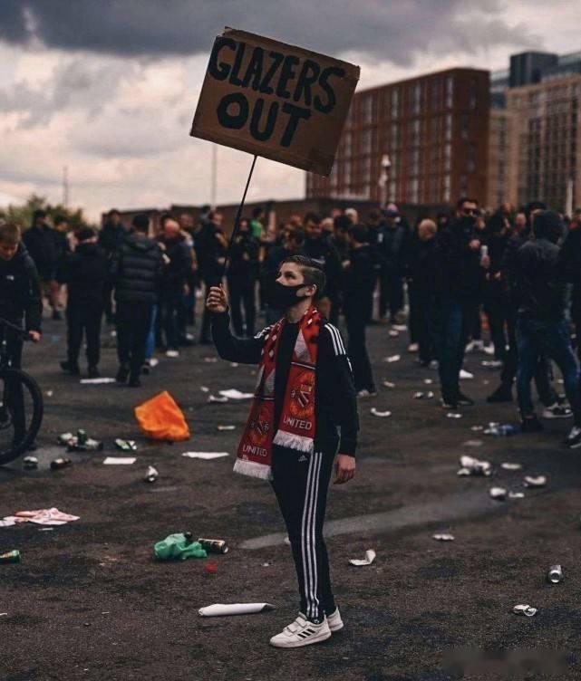 英足总正式介入调查!名记:曼联或被判0-3利物浦,还要扣3个积分