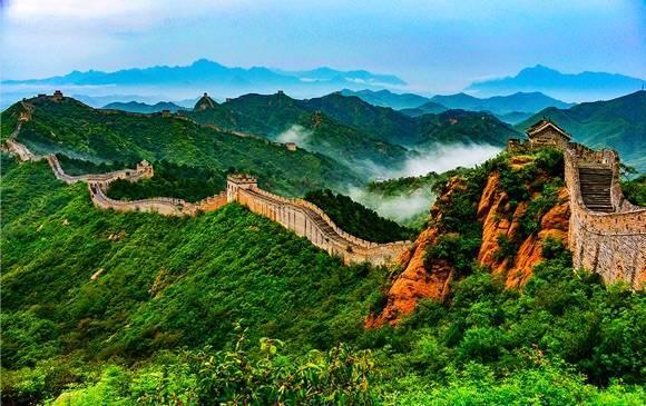 乘坐高铁游河北 上海市民五一组团体验坝上草原