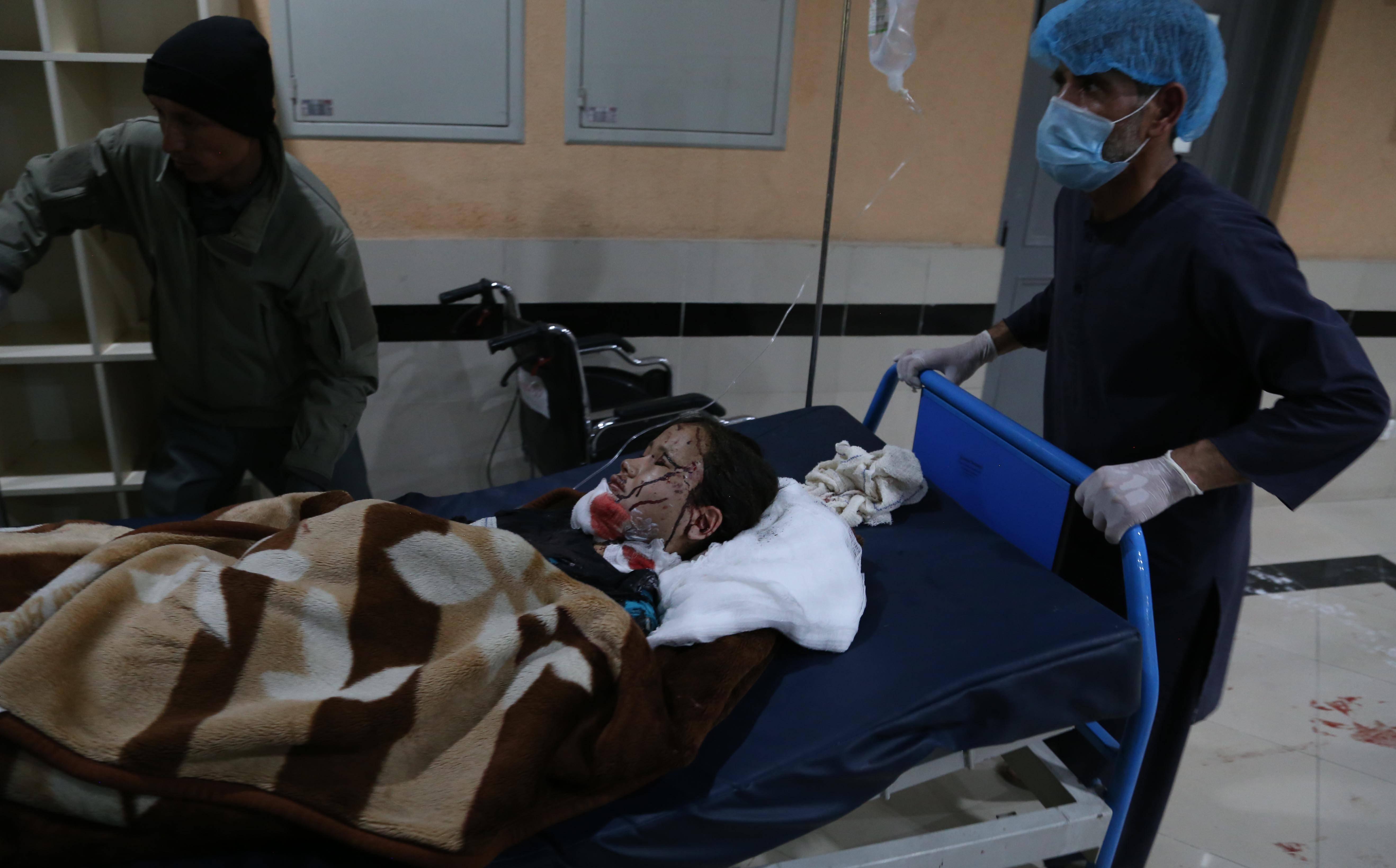阿富汗首都一学校附近发生连环爆炸致27人死亡