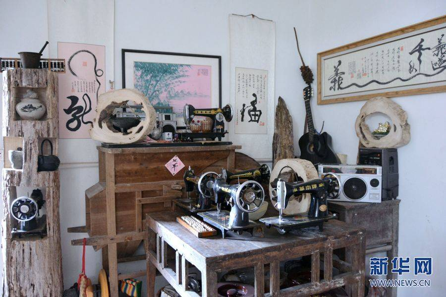 """饭票、草榴最新地址、老式自行车、录像机……他是重庆乡村里的""""收藏家"""""""