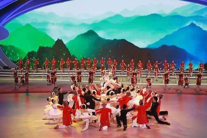 英语新闻|National Student Sports Games kicks off in Qingdao 爸爸 第4张
