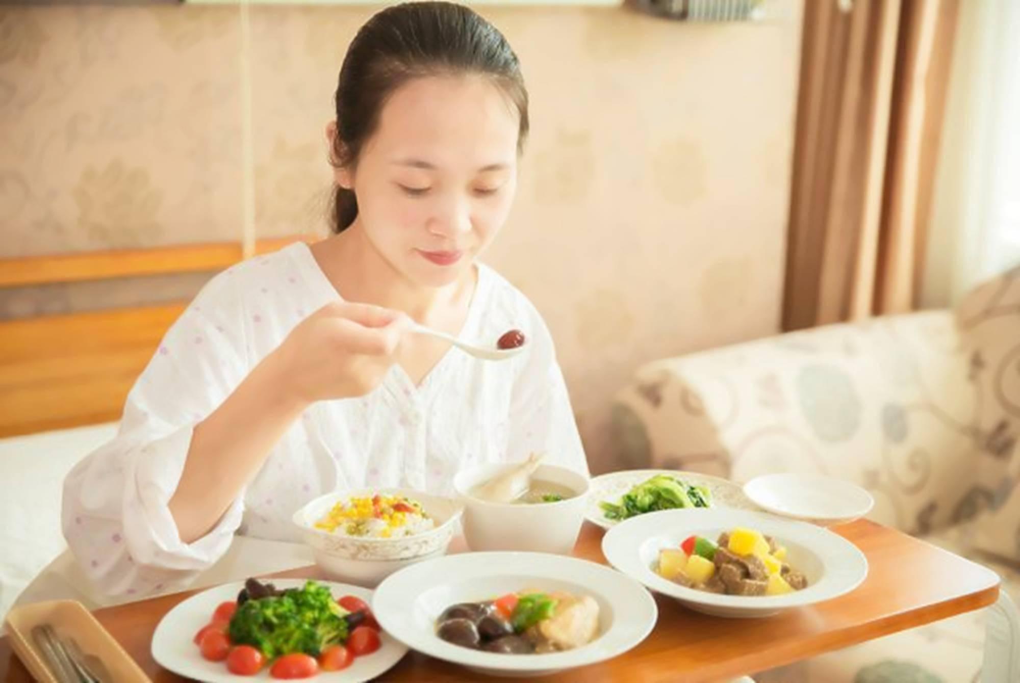 """月子期没吃好很容易未老先衰,注意三大饮食要点,不落""""月子病"""""""