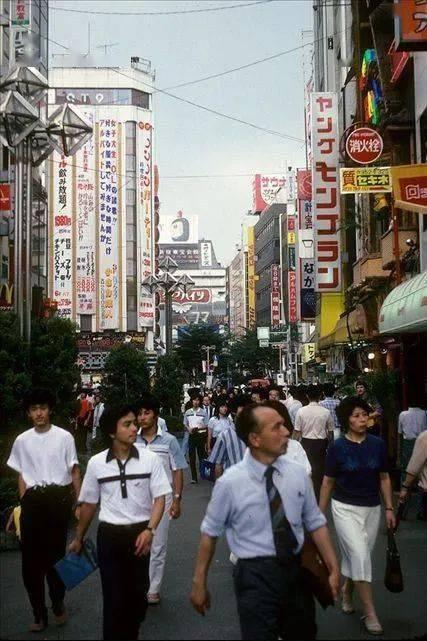 """日本30年的""""宽松教育""""是怎样搞垮一代人的?"""